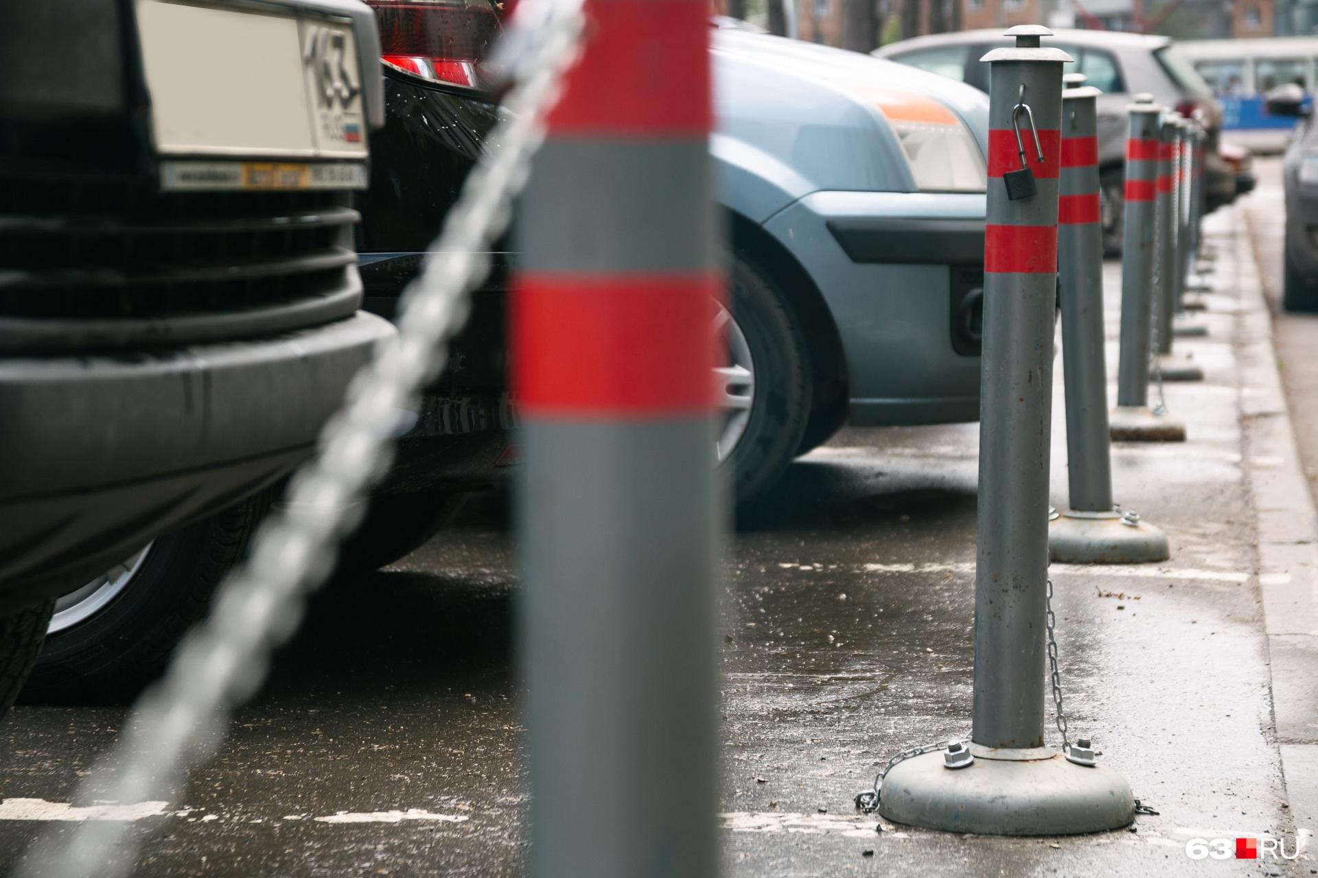 Чиновники хотят заработать на платных парковках по82 953 000 рублей в год