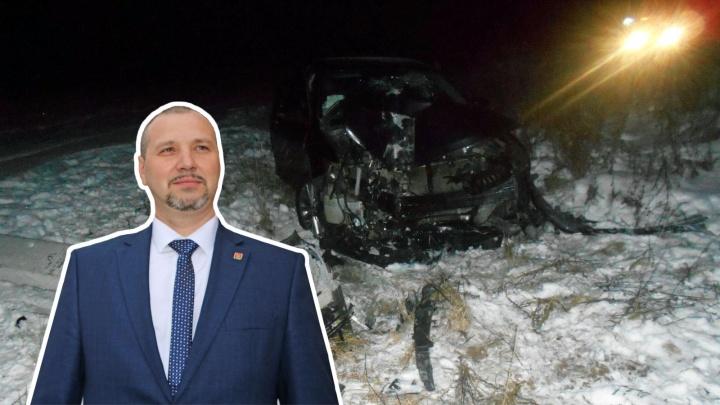 Глава Ростовского района разбил на трассе служебную «Тойоту»: пострадала девушка