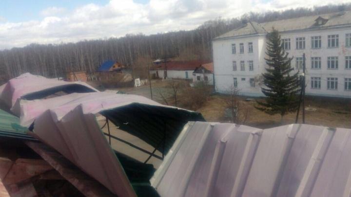 В Башкирии  ветром сорвало крышу детского дома