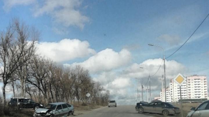 Тройной удар: в Ростове произошло ещё одно лобовое ДТП