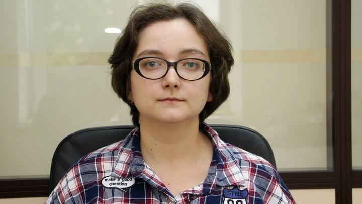 «Ощущение, что тянут до декриминализации»: омская феминистка три месяца ждёт итогов расследования