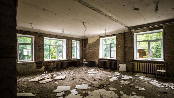 Будет детский сад: строители оставили голые стены в старом доме на улице Гоголя