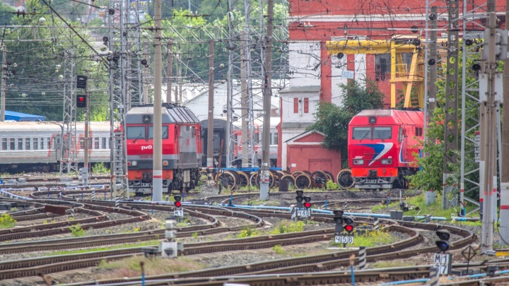 В Самарской области грабители вынесли радиатор из локомотива