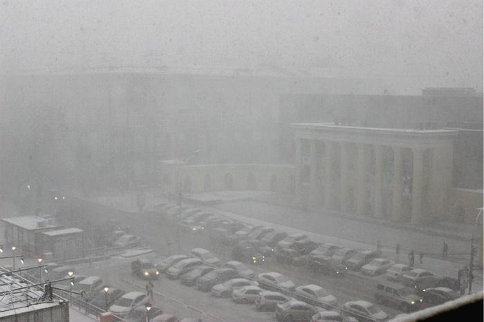 Метель в центре Новосибирска днём 10 ноября