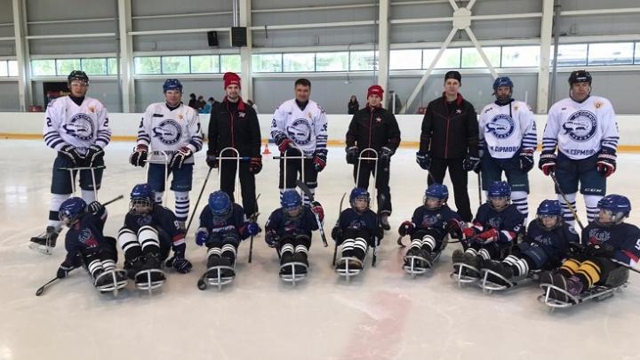 """«Мы теперь в """"Торпедо""""». В Нижнем Новгороде появилась хоккейная команда особенных детей"""