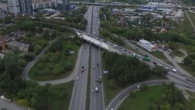 Мечта жителей Уктуса — чтобы открыли 4 полосы: смотрим с высоты, как ремонтируют мост на Щербакова