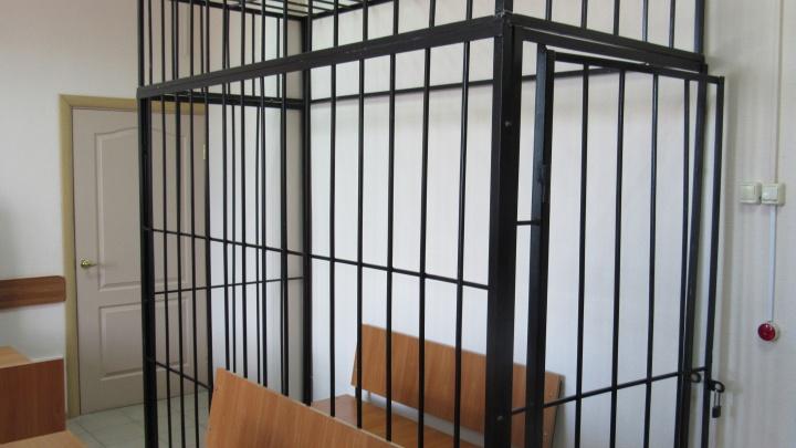 В Кургане по подозрению в получении взятки задержали начальника отделения технадзора городской ГИБДД