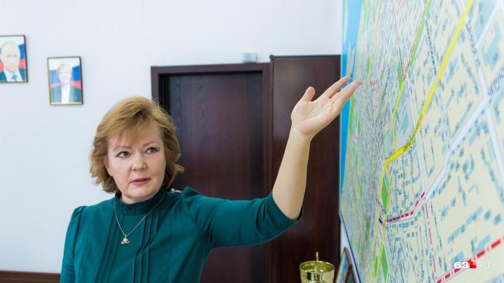 «Выезжаю на пожары и хожу по крышам»: глава Ленинского района рассказала о своих буднях