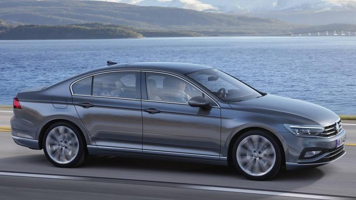 Найди десять отличий.До российских дилеров добрался обновлённый Volkswagen Passat