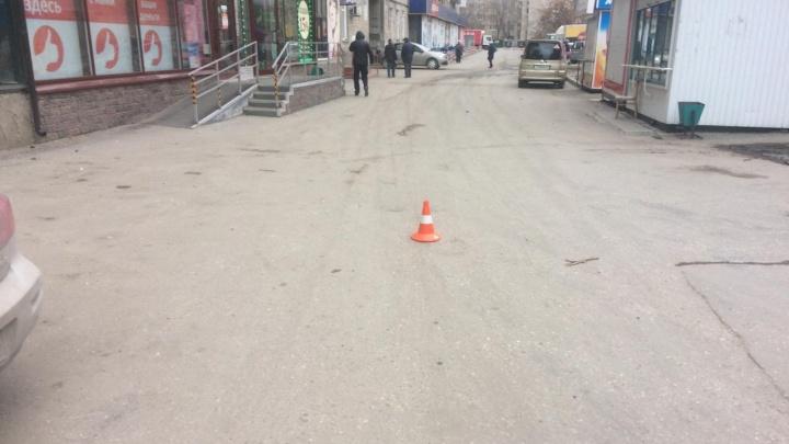 ГИБДД объявила в розыск водителя, который устроил аварию во дворе на Затулинке