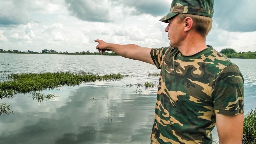«Давай, бегом, поехали! Может, ещё успеем!»:омичи рассказали, как спасли тонущих детей на озере