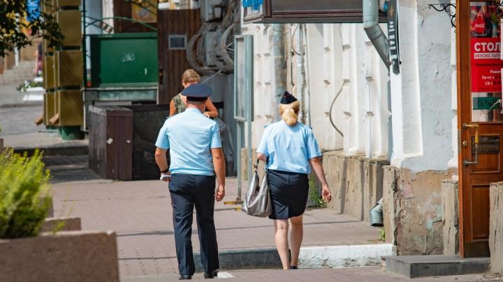 Полицейского из Волгоградской области подозревают в интимной связи со школьницей из Волгодонска
