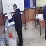 «Меня попросили»: в Волгограде главу избирательного участка простили за вброс бюллетеней на выборах