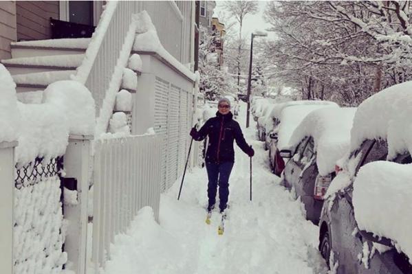 На лыжах по тротуару — почему бы и нет?