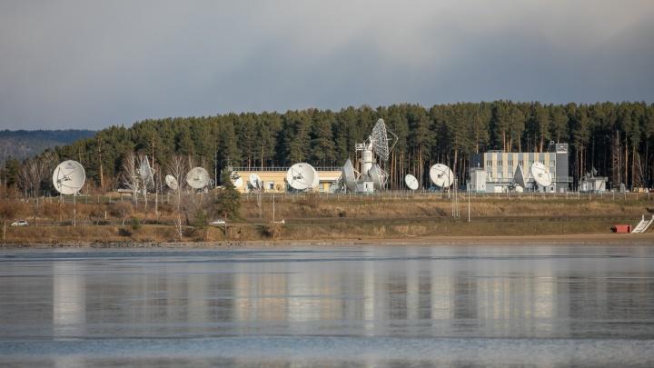 У базы отдыха под Красноярском в воде нашли тело мужчины