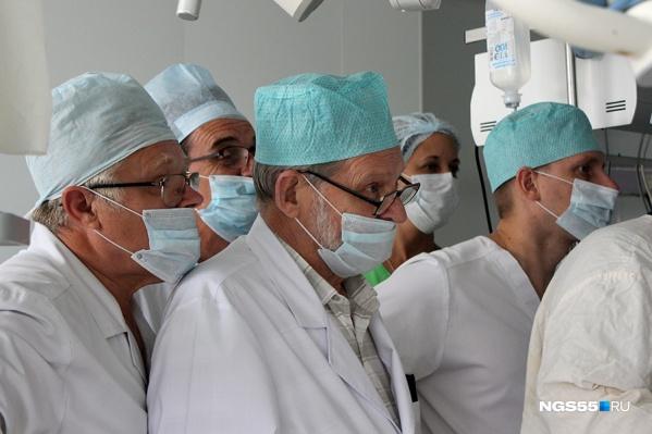 Без медицинской маски в люди в ближайшее время лучше не выходить
