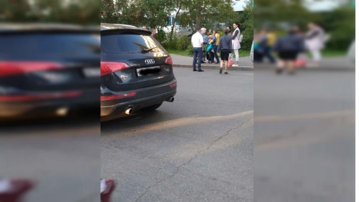 В Уфе рядом с остановкой сбили девочку