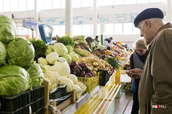 На среднюю зарплату в Ярославле можно позволить себе всё меньше еды.