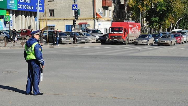 В Тюмени задержали сотрудника ДПС, который за деньги отпустил пьяных водителей
