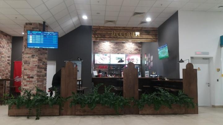 «Кормила дёшево Медведева»: волгоградская концессионер назвала кафе в аэропорту «BeerЛин»