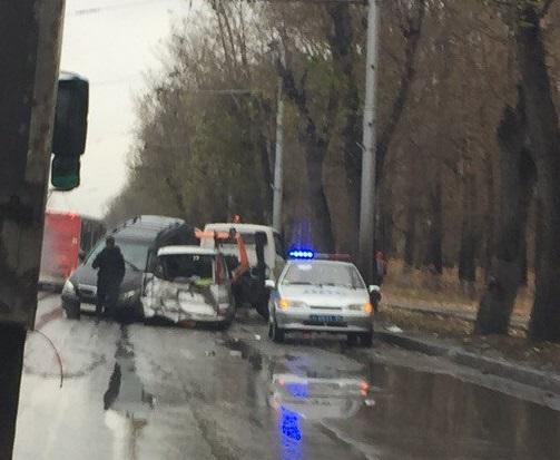 Авария на улице Сибиряков-Гвардейцев