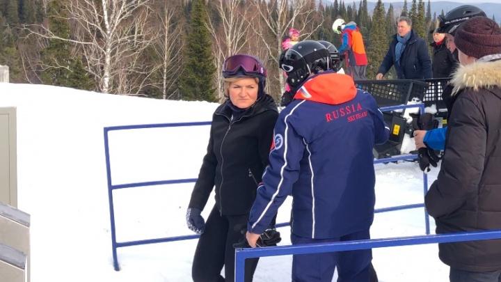 Уступите лыжню: из-за визита вице-премьера РФ в Шерегеше закрыли горнолыжную трассу