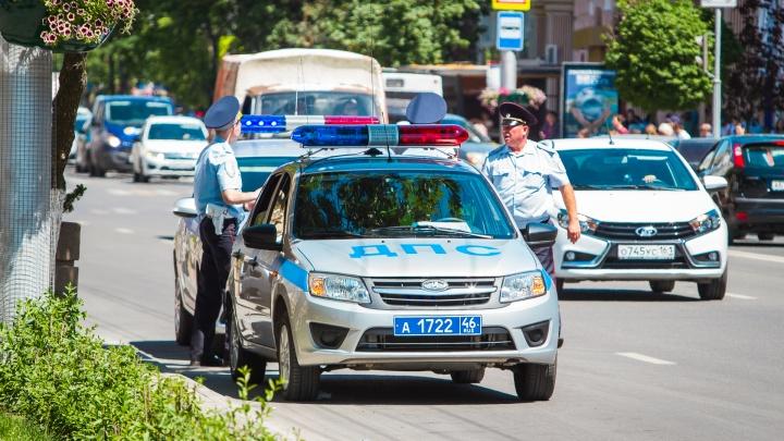 В Новочеркасске полиция разыскивает водителя автомобиля, насмерть сбившего пенсионера