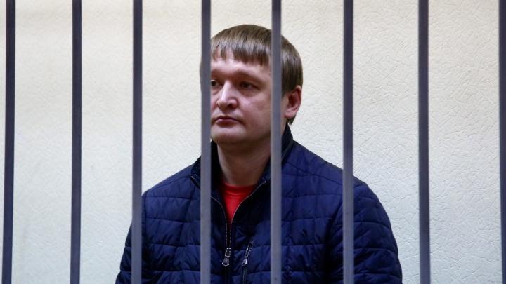 Бывший силовик рассказал, как глава ОБЭП Екатеринбурга брал взятку на задворках 4-й овощебазы