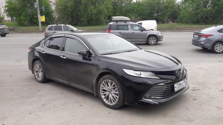 В Новосибирске начали угонять новые Toyota Camry: бандиты орудуют по ночам
