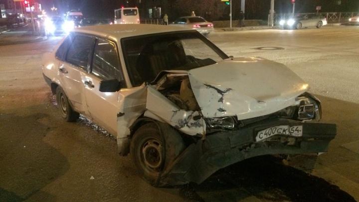 Иномарка сбила пешехода в Центральном районе