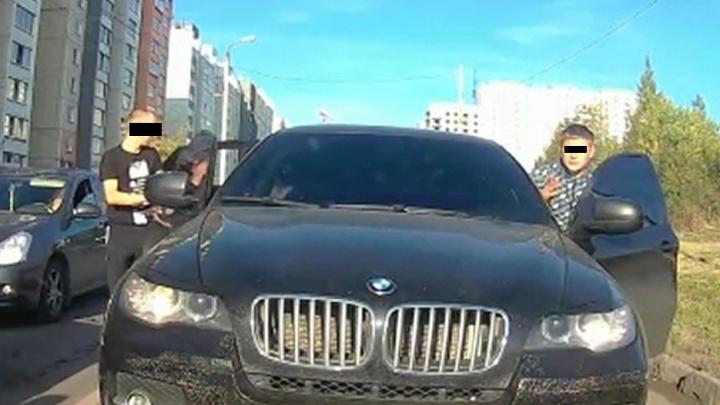 Засветил фейс: грубое нарушение юноши на BMW X6 передано в полицию