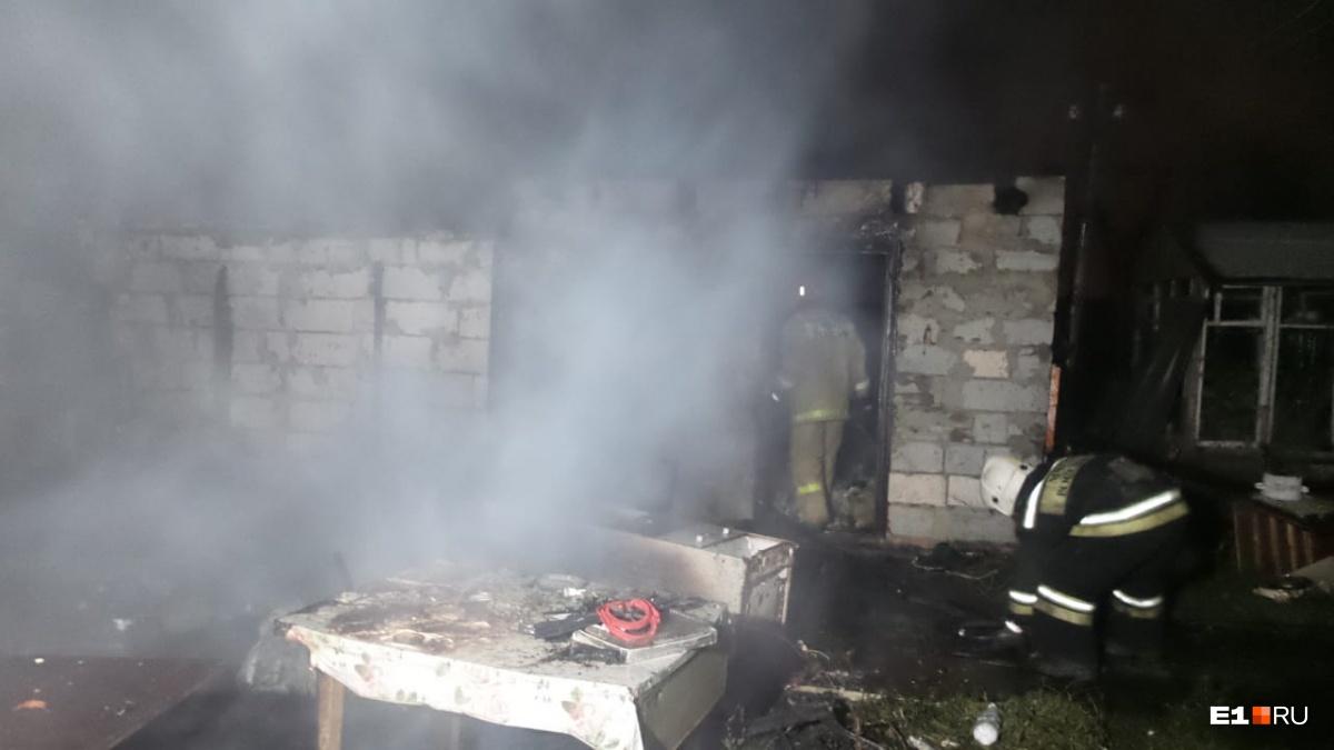 Площадь пожара составила 150 квадратных метров