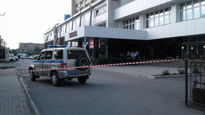Жителя Красноярска задержали за звонки о бомбе в гостинице и больнице