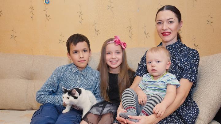 «Выходных у мамы не бывает»: советы от участницы «Миссис Екатеринбург», как успевать всё по дому