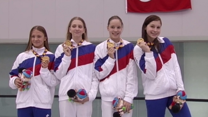 Новосибирская пловчиха завоевала три медали на Олимпийском фестивале