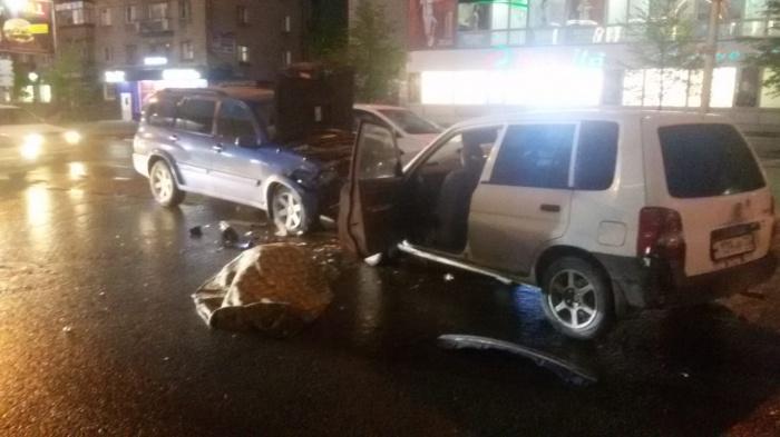 В результате ДТП водитель автомобиля Mazda Demio скончался на месте