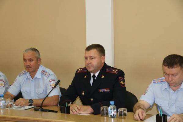 Константин Гаврин (в центре) шесть лет руководилУправлением уголовного розыска Новосибирской области