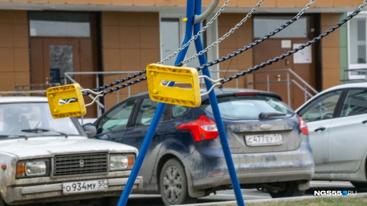 Ураганный фоторепортаж: как ветер бушевал над Омском