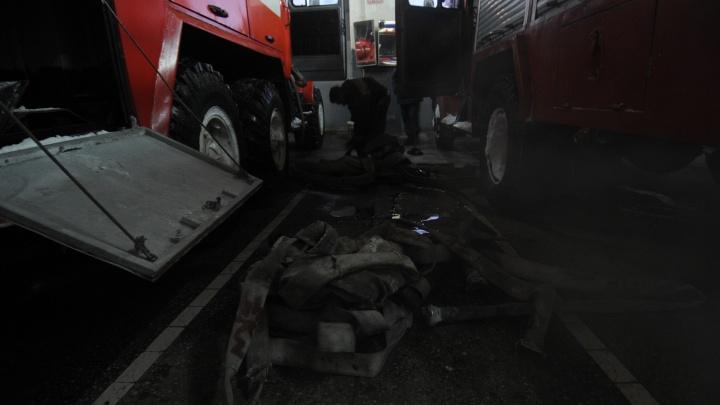 Два десятка человек спаслись из горящей многоэтажки на Никитина