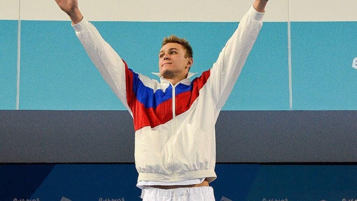 Новосибирский пловец взял серебро юношеской Олимпиады — он отстал от победителя на сотую секунды