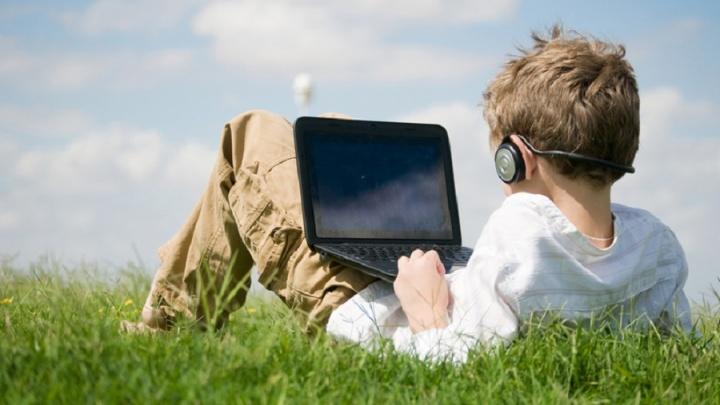 Летние каникулы: детский лагерь предлагает погрузиться в мир компьютерных технологий