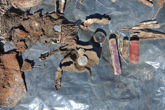 Рядом с останками новосибирца нашли перочинный нож, компас, медаль и другие вещи