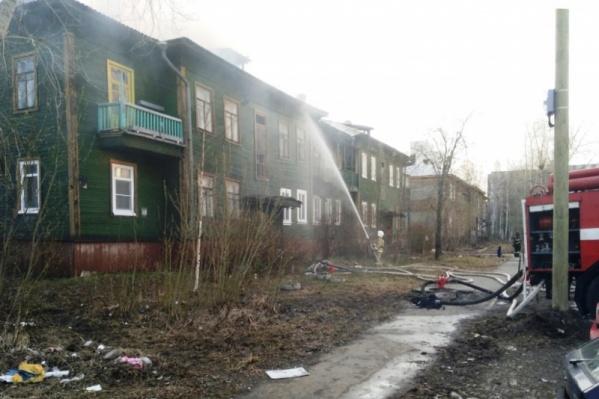Дом на Советских Космонавтов, 32 остался без кровли из-за пожара