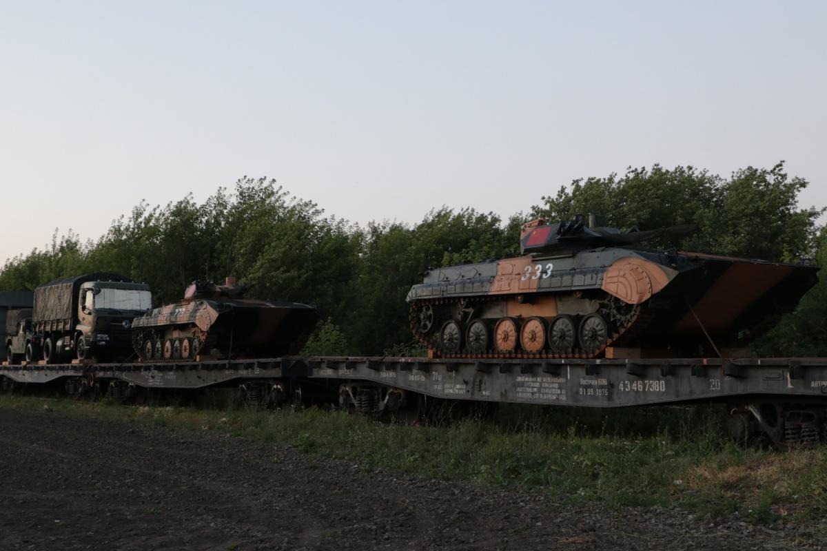 Всего в Новосибирск привезли четыре единицы военной техники из Китая
