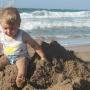 «Ребёнка надо везти за границу на две недели»: что делать, чтобы отпуск не превратился в катастрофу