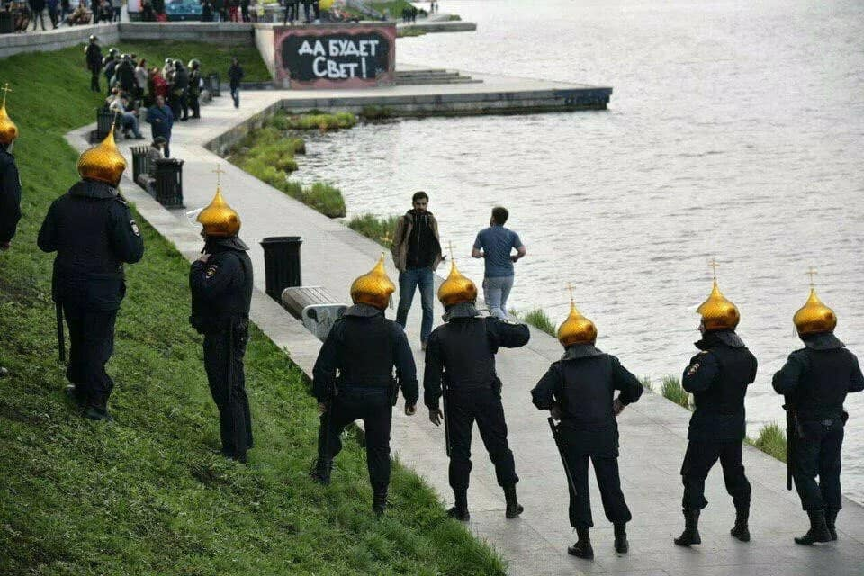 В Екатеринбурге остановили стройку храма: коротко о главных событиях четвертого дня протестов