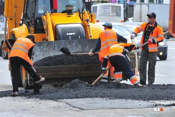 В Екатеринбурге начал набирать обороты летний ремонт дорог