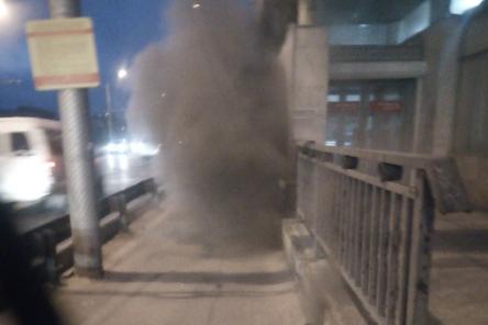 «Дым валит трубой»: в Волгограде между двумя станциями трамвая загорелись провода