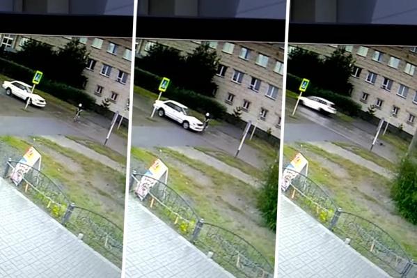 Ребёнка сбила машина на улице Тургенева в Карасуке