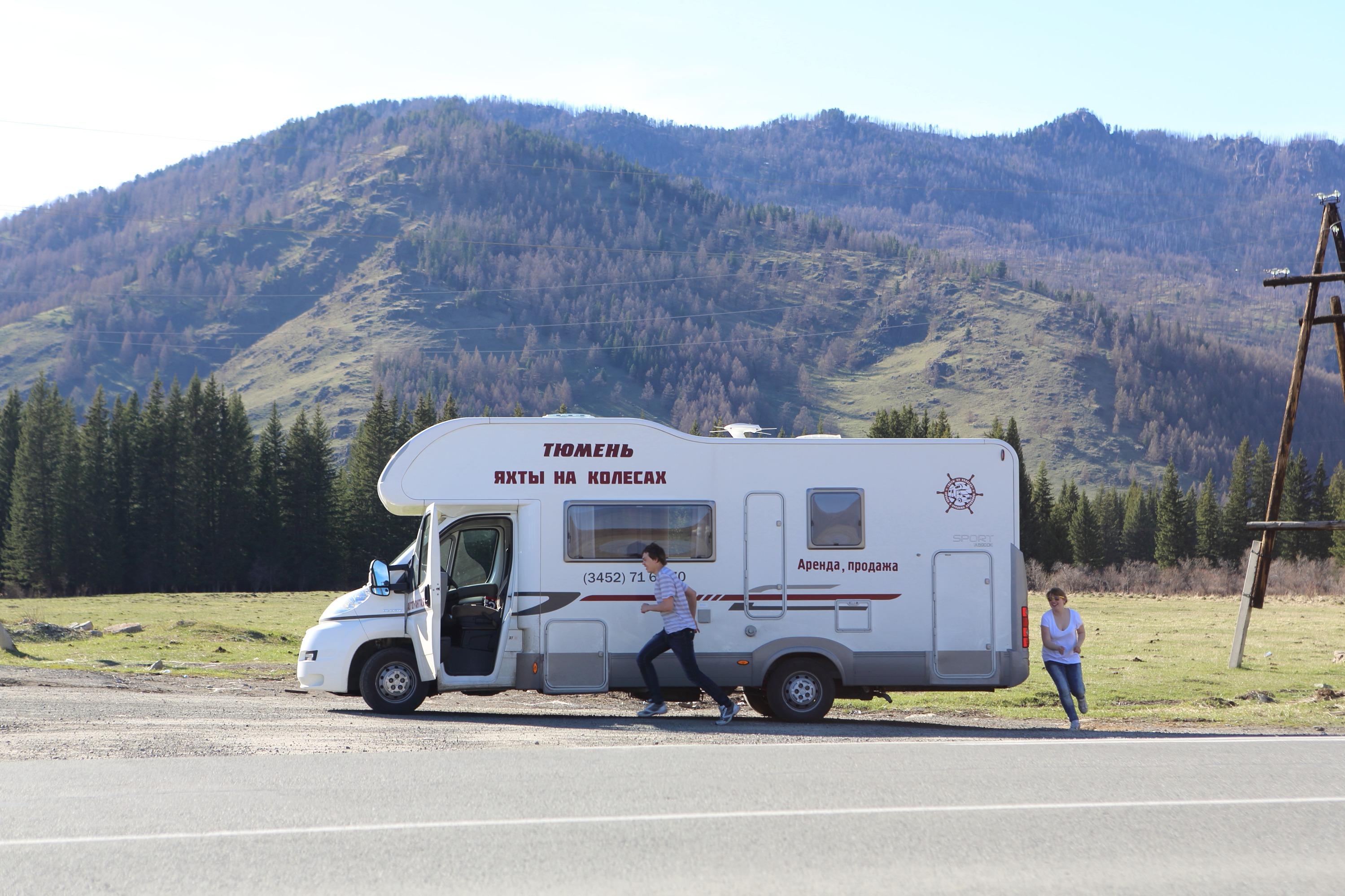 Этот фургон стал неотъемлемой частью жизнью для тюменки и её семьи